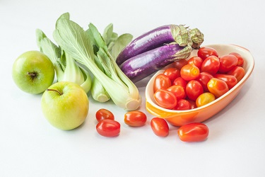 fresh-vegetables-fruits-1-1317355-639x425